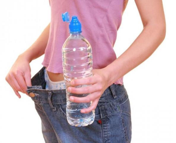 Сколько воды нужно выпивать за день в зависимости от Вашего веса